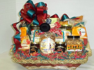 A great taste of Arizona, this basket is composed of local product: salsa, chips, southwest style peanuts, jelly, honey, crackers, kettle corn, ...
